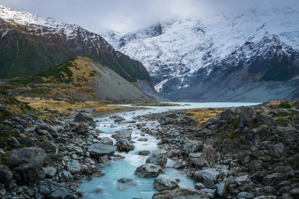 A corredeira de um rio na Nova Zelândia.